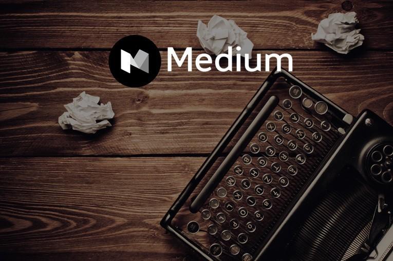 Медиум логотип